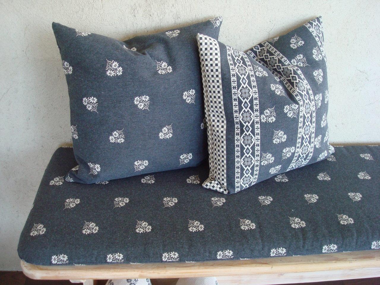 kissenh llen h ttenstil bequemer sitzen. Black Bedroom Furniture Sets. Home Design Ideas